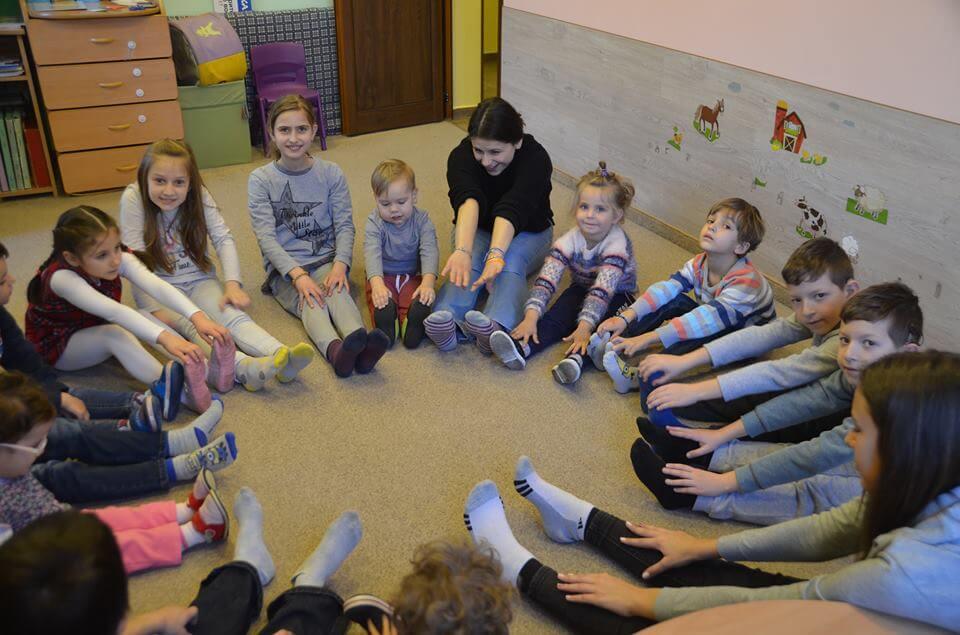 Деца с увреден слух са успешни с помощта на Образователен център Яника